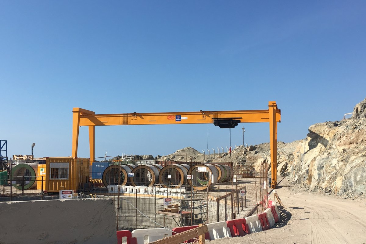 Demountable modular gantry crane